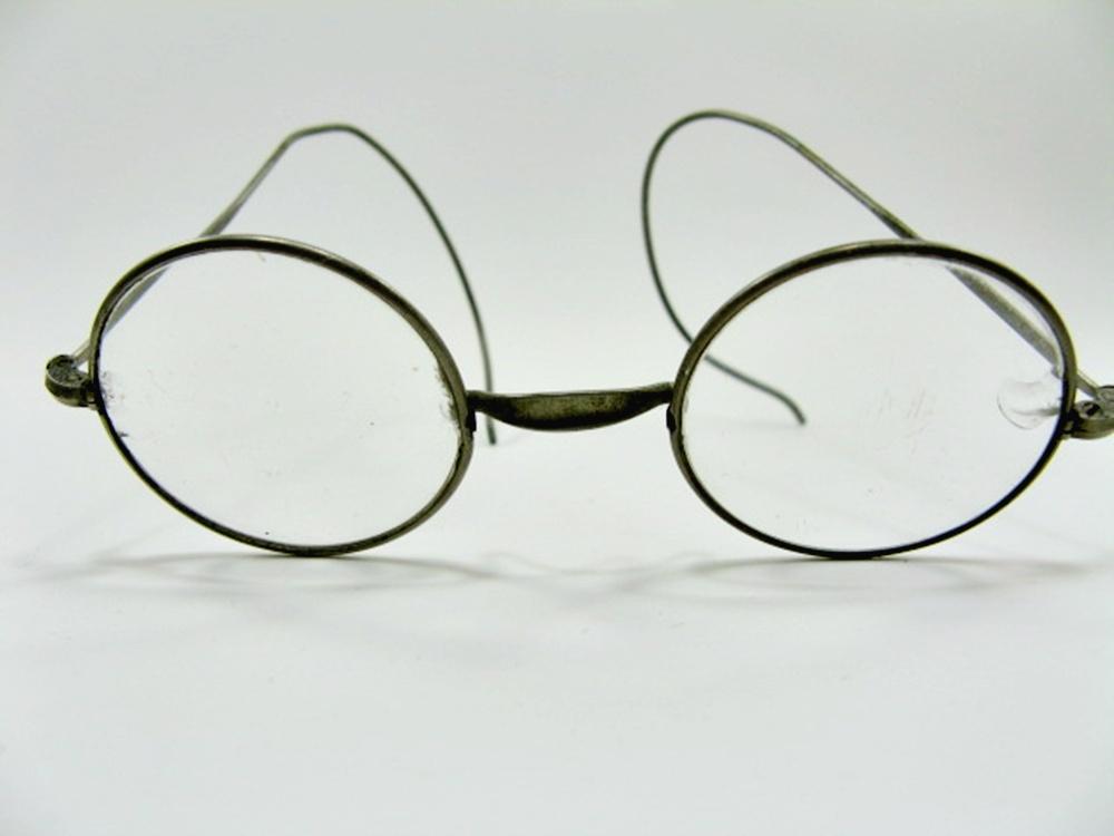 brille runde gl ser um 1920 stahl gl ser haben chips. Black Bedroom Furniture Sets. Home Design Ideas